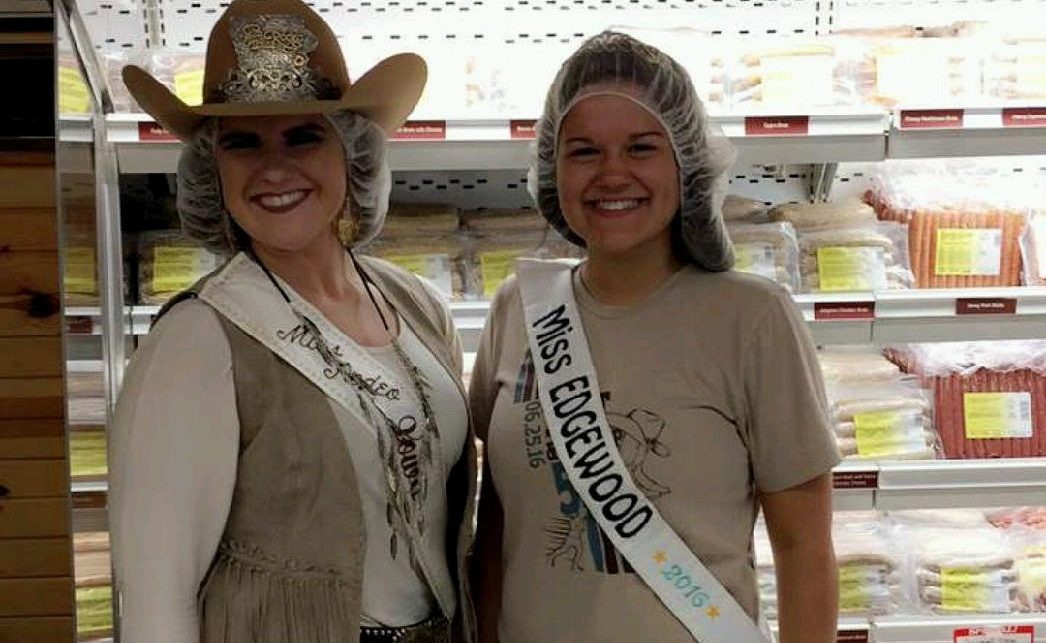 Miss Rodeo Iowa & Miss Edgewood